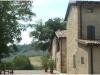 cortile-ulivi-castello-bianello